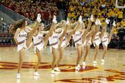 http://img254.imagevenue.com/loc118/th_723817080_cheerleadersusc02_122_118lo.jpg
