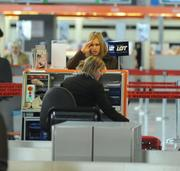 Iga Wyrwal - New Candids - At An Airport - (x2)