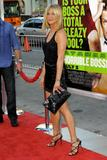 th_11774_JenniferAniston_HorribleBossespremiere_Hollywood_300611_040_122_169lo.jpg