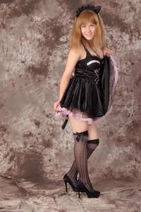 http://img254.imagevenue.com/loc178/th_233005583_Silver_Sandrinya_maid_3_120_122_178lo.jpg