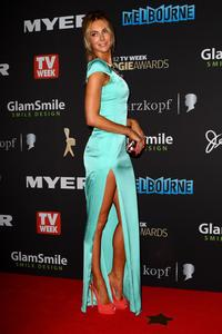 http://img254.imagevenue.com/loc234/th_486412528_Hottest_Miss_Universe_Ever_Logie_06_122_234lo.jpg