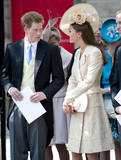 th_51340_celebrity_paradise.com_The_Duchess_of_Cambridge_Zara_wedding_057_122_245lo.jpg
